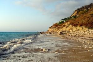 Kalamitsi strand hullámok