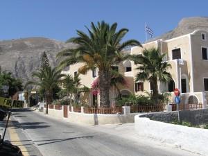 Santorini Kostis apartmanház, pálmafák