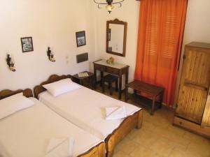 Santorini Kamari, Kostis kétágyas szoba