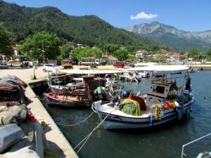 Thászosz, csónakok a kikötőben)